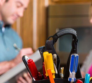 Cand si cum alegi un instalator sau un electrician bun?
